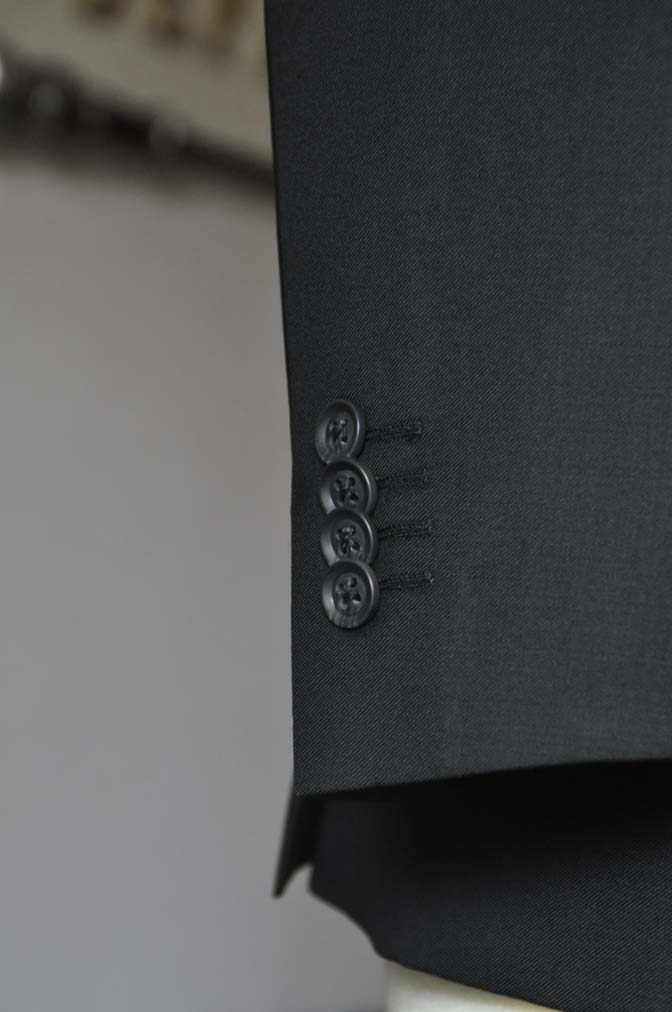 DSC0670-2 お客様のウエディング衣装の紹介-CANONICO ブラックスーツ 千鳥格子襟付きダブルベスト-