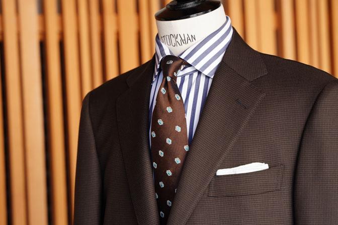 DSC06736 オーダースーツの紹介-MARLANEブラウン千鳥格子スーツ-