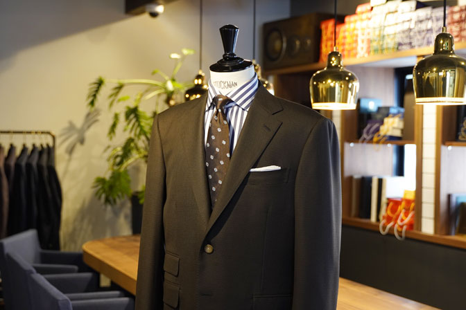 DSC06740 オーダースーツの紹介-MARLANEブラウン千鳥格子スーツ-