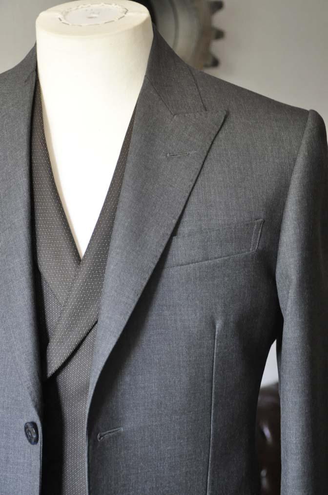 DSC0679-1 お客様のウエディング衣装の紹介-DARROWDALE グレースーツ ブラウンダブル襟付きベスト-