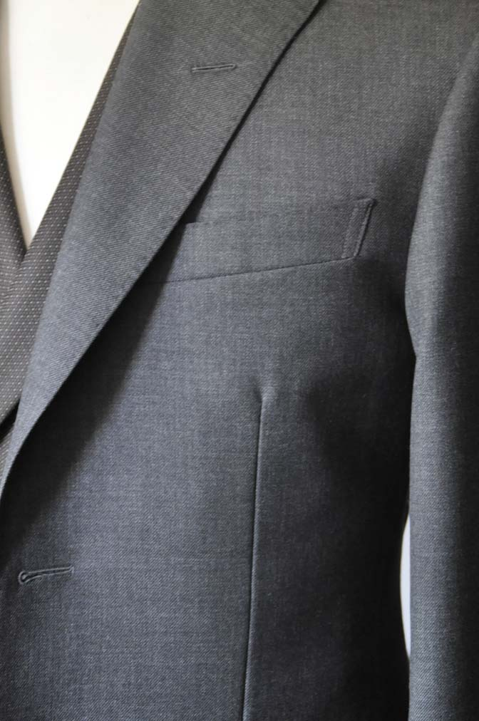 DSC0680-2 お客様のウエディング衣装の紹介-DARROWDALE グレースーツ ブラウンダブル襟付きベスト-DSC0680-2 お客様のウエディング衣装の紹介-DARROWDALE グレースーツ ブラウンダブル襟付きベスト- 名古屋市のオーダータキシードはSTAIRSへ