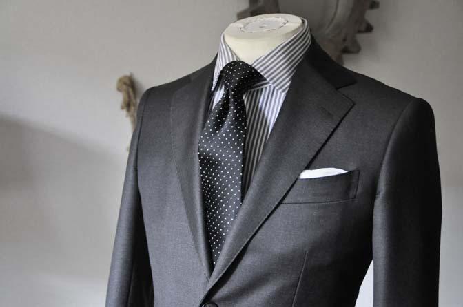 DSC0681-3 お客様のスーツの紹介 名古屋の完全予約制オーダースーツ専門店DEFFERT