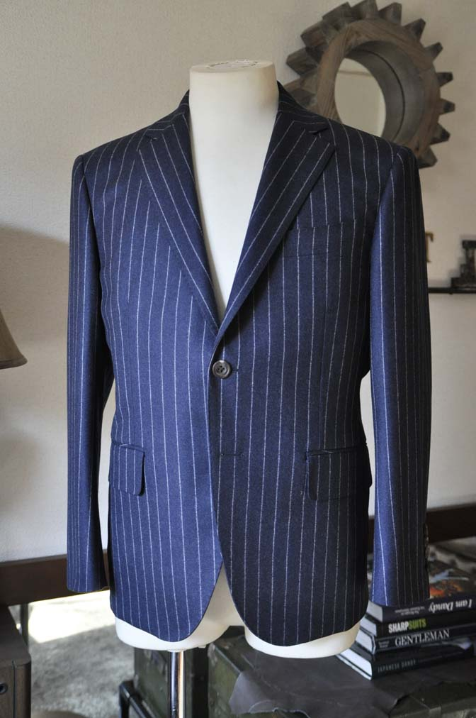 DSC0682-3 お客様のスーツの紹介-CANONICOネイビーストライプ フランネルスーツ-
