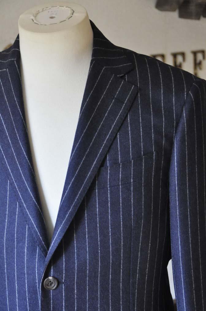 DSC0685-3 お客様のスーツの紹介-CANONICOネイビーストライプ フランネルスーツ-