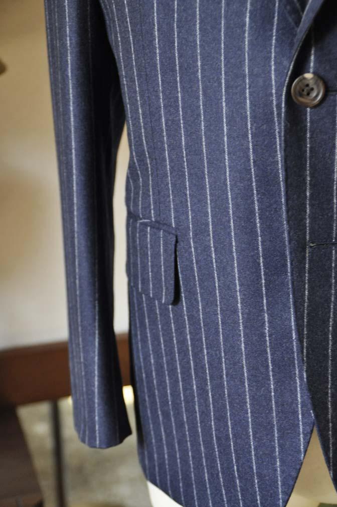 DSC0688-2 お客様のスーツの紹介-CANONICOネイビーストライプ フランネルスーツ-