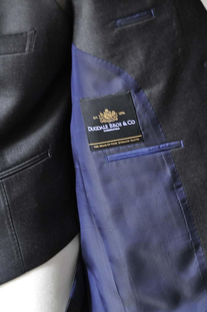 DSC0689-1 お客様のスーツの紹介- DUGDALE 無地チャコールグレー スリーピース-