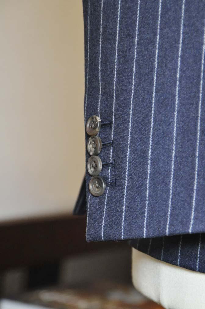 DSC0689-2 お客様のスーツの紹介-CANONICOネイビーストライプ フランネルスーツ-