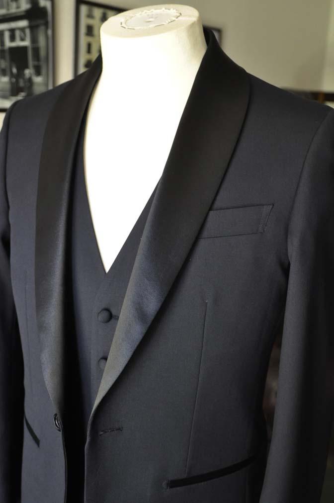 DSC06931 お客様のウエディング衣装の紹介-Biellesi ダークネイビーショールカラータキシード-