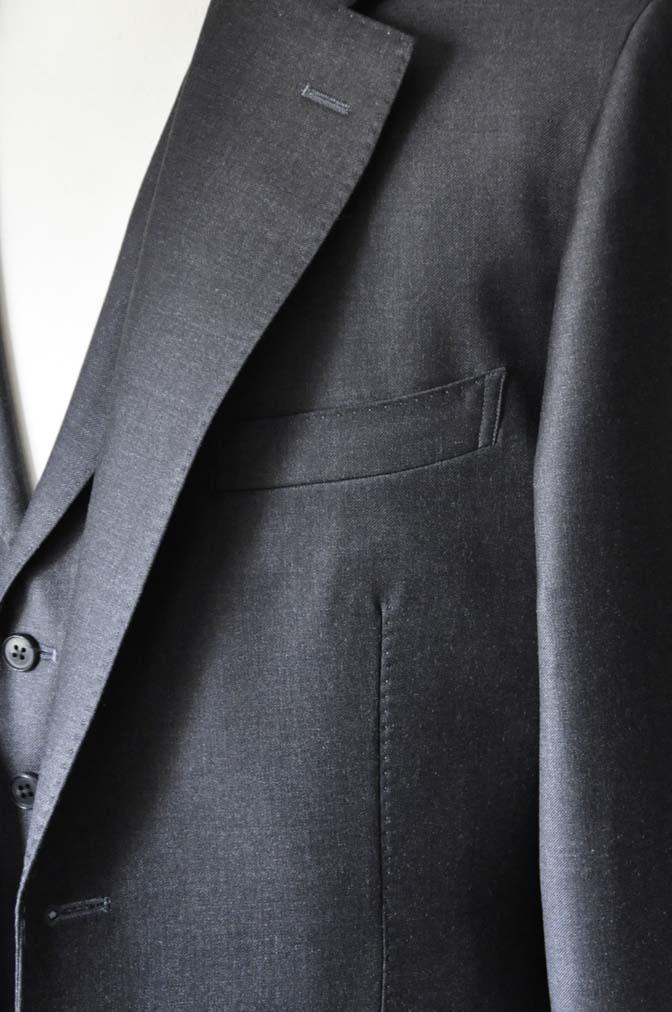 DSC0699-1 お客様のスーツの紹介- DUGDALE 無地チャコールグレー スリーピース-