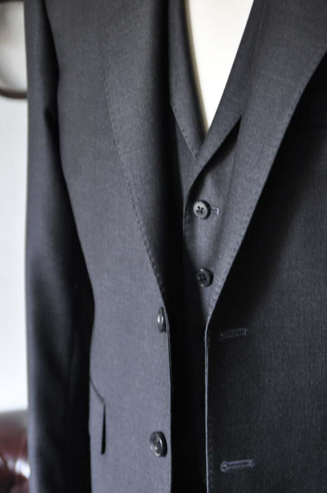 DSC0700-1 お客様のスーツの紹介- DUGDALE 無地チャコールグレー スリーピース-