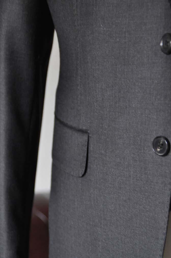 DSC0702-1 お客様のスーツの紹介- DUGDALE 無地チャコールグレー スリーピース-