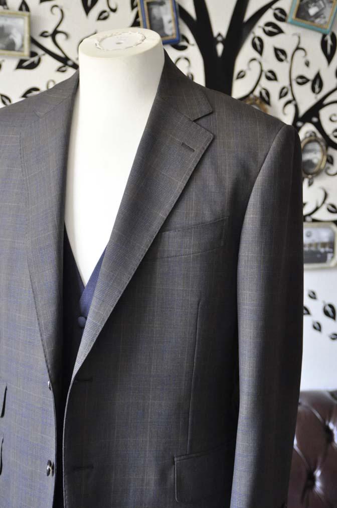 DSC0703-4 お客様のウエディング衣装の紹介- Biellesiブラウンチェックジャケット ネイビーベスト- 名古屋の完全予約制オーダースーツ専門店DEFFERT