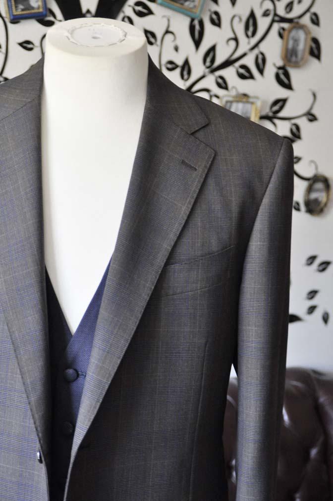 DSC0704-4 お客様のウエディング衣装の紹介- Biellesiブラウンチェックジャケット ネイビーベスト- 名古屋の完全予約制オーダースーツ専門店DEFFERT