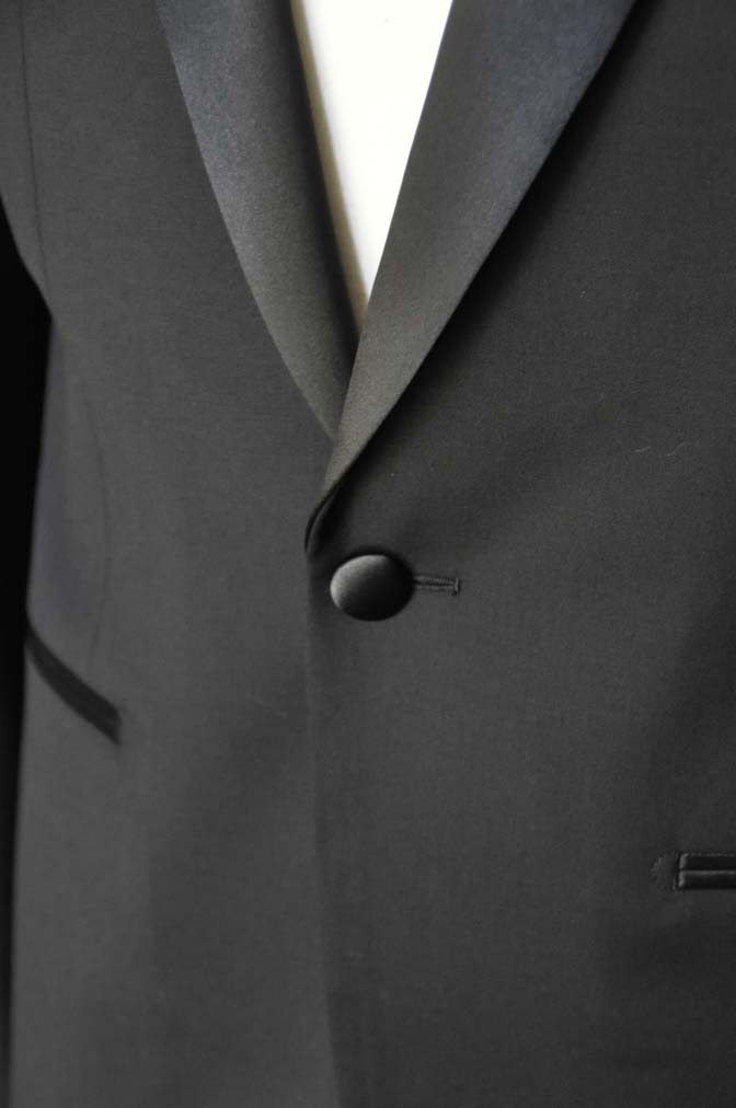 DSC07072 お客様のウエディング衣装の紹介-Biellesi ブラックショールカラータキシード-