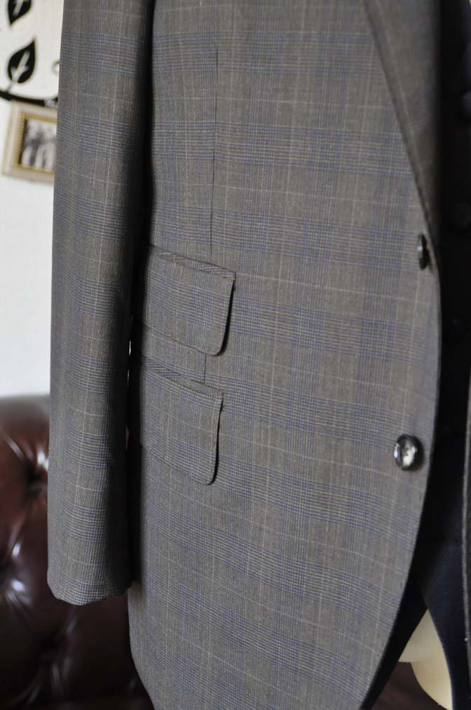 DSC0708-3 お客様のウエディング衣装の紹介- Biellesiブラウンチェックジャケット ネイビーベスト- 名古屋の完全予約制オーダースーツ専門店DEFFERT