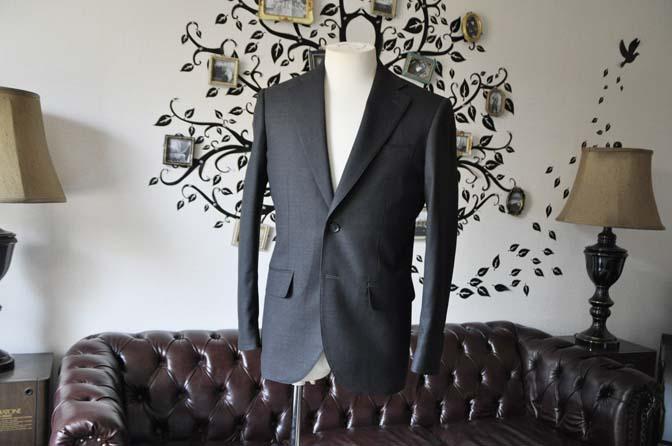 DSC0716-5 お客様のスーツの紹介-Biellesiチャコールグレースーツ-