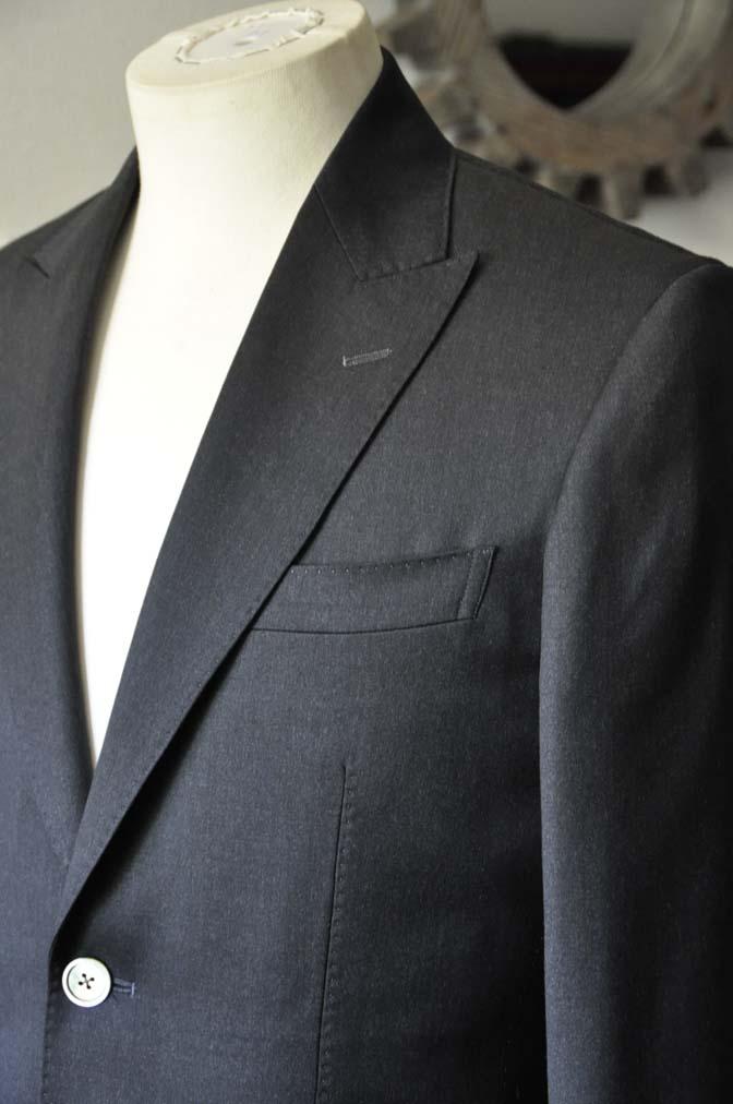 DSC0719-1 お客様のスーツの紹介- Biellesi 無地チャコールグレー-