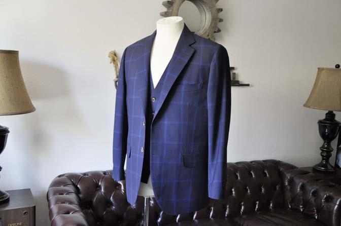 DSC0726-1 お客様のスーツの紹介- Biellesi ネイビーウィンドペン スリーピース-