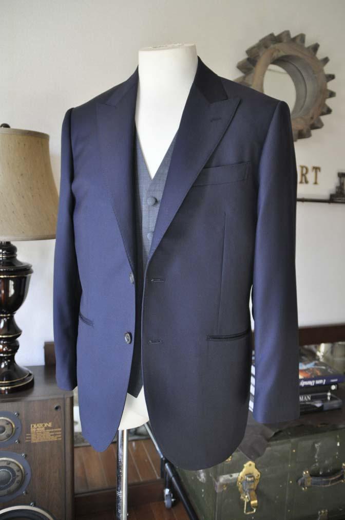 DSC0732-4 お客様のウエディング衣装の紹介- CANONICO無地ネイビースーツ グレーベスト-