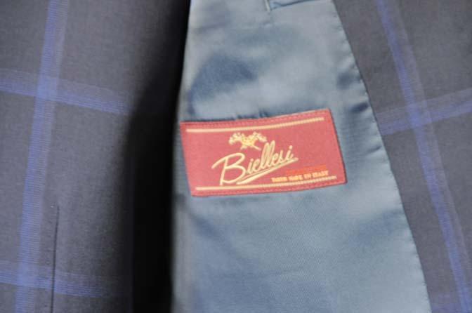 DSC0732 お客様のスーツの紹介- Biellesi ネイビーウィンドペン スリーピース-