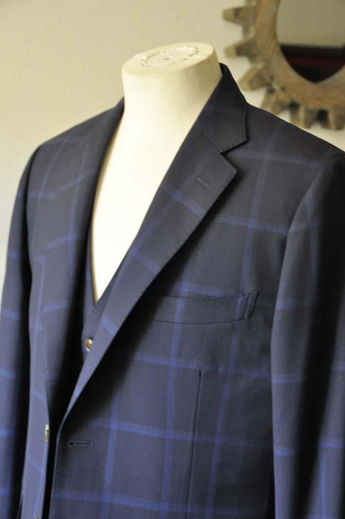 DSC0734-1 お客様のスーツの紹介- Biellesi ネイビーウィンドペン スリーピース-