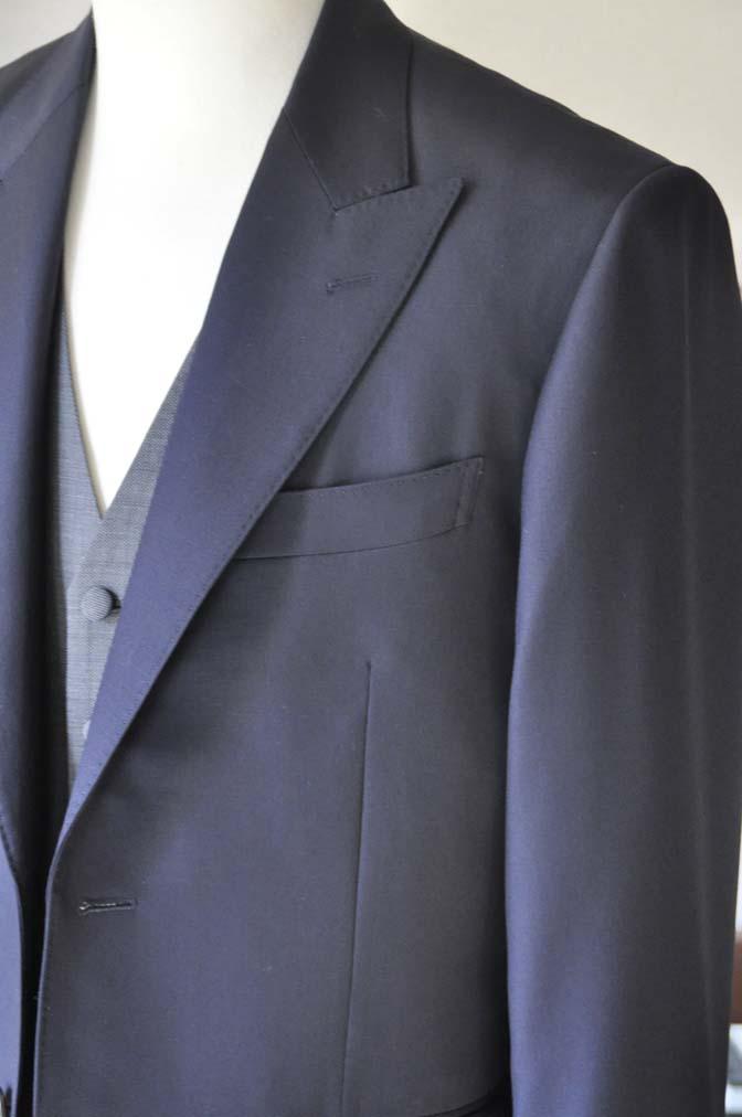 DSC0734-4 お客様のウエディング衣装の紹介- CANONICO無地ネイビースーツ グレーベスト-