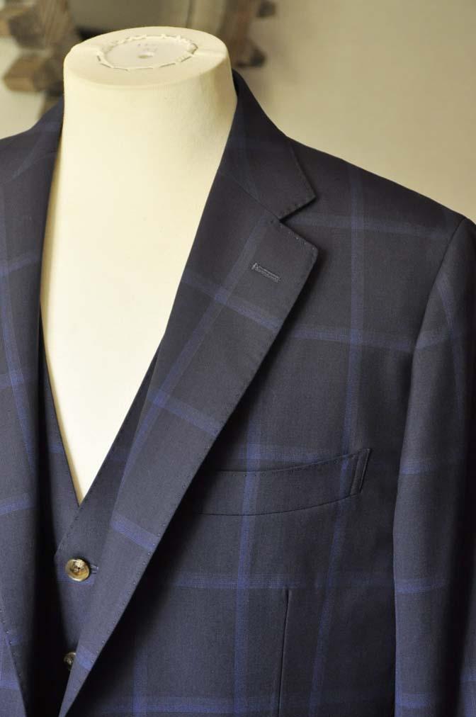 DSC0735 お客様のスーツの紹介- Biellesi ネイビーウィンドペン スリーピース-