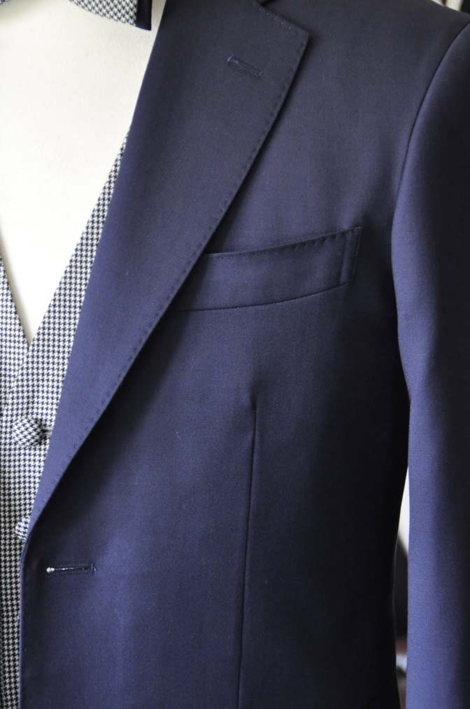 DSC0737-4 お客様のウエディング衣装の紹介- Biellesi無地ネイビースーツ 千鳥格子ベスト- 名古屋の完全予約制オーダースーツ専門店DEFFERT