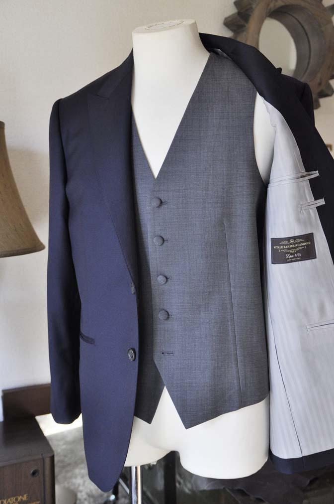 DSC0739-3 お客様のウエディング衣装の紹介- CANONICO無地ネイビースーツ グレーベスト-