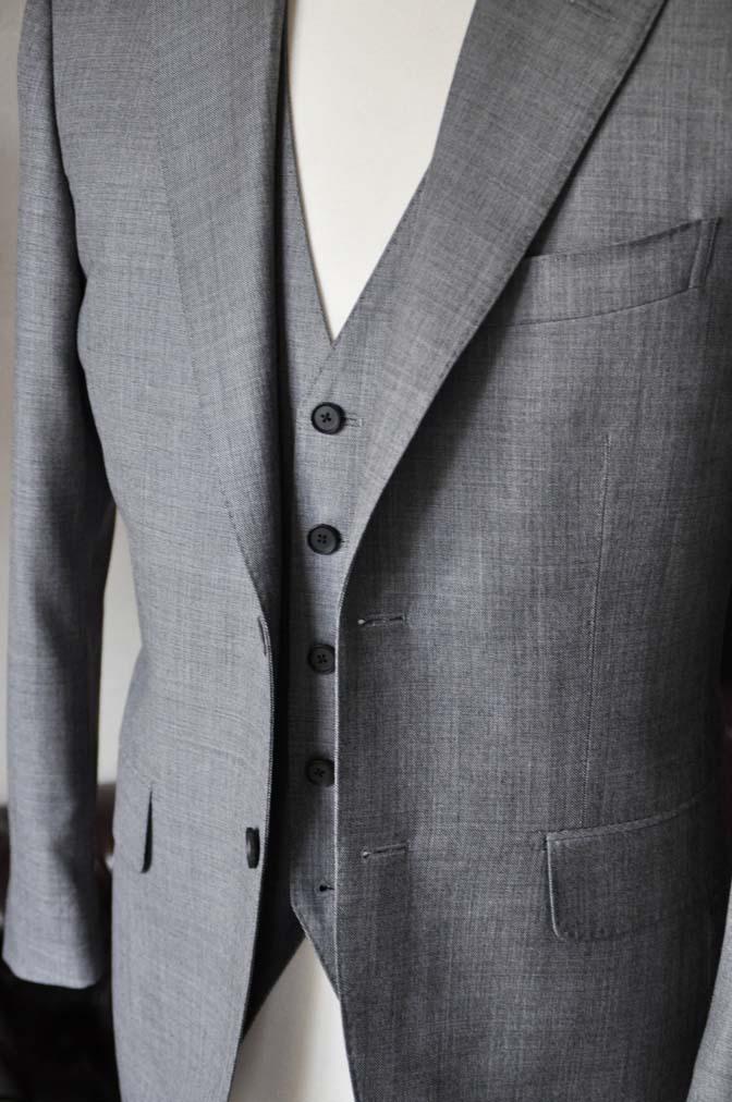 DSC0739-5 お客様のスーツの紹介-Biellesi無地グレー スリーピース- 名古屋の完全予約制オーダースーツ専門店DEFFERT