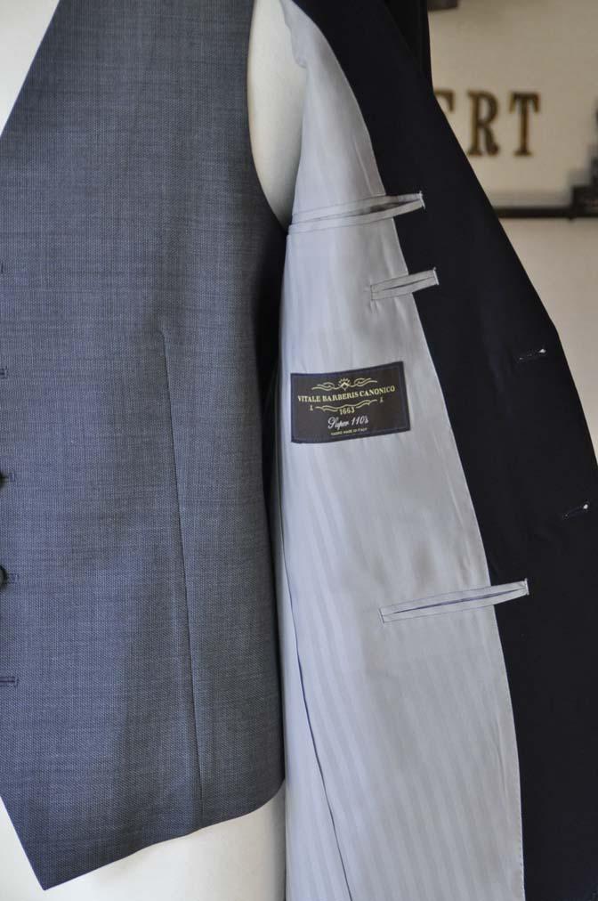 DSC0740-4 お客様のウエディング衣装の紹介- CANONICO無地ネイビースーツ グレーベスト-