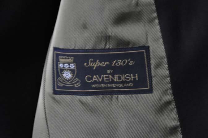 DSC0742-1 お客様のスーツの紹介- CAVENDISH ダークネイビー スリーピース-
