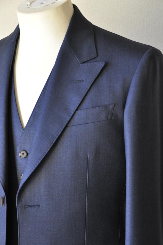 DSC07431 お客様のスーツの紹介-DORMEUIL KRONO 無地ネイビースリーピース-
