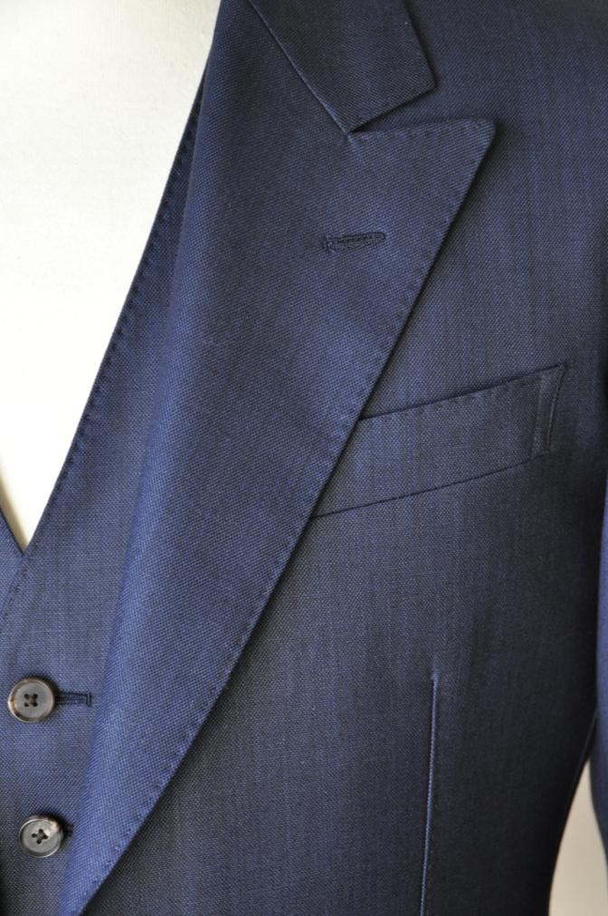 DSC07442 お客様のスーツの紹介-DORMEUIL KRONO 無地ネイビースリーピース-