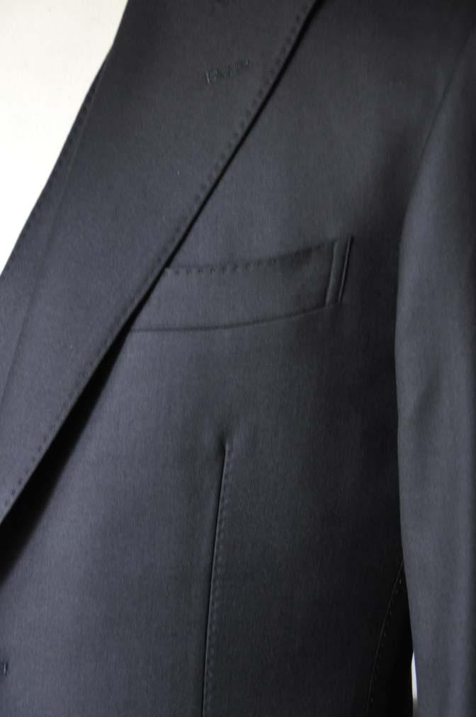 DSC0745-1 お客様のスーツの紹介- CAVENDISH ダークネイビー スリーピース-