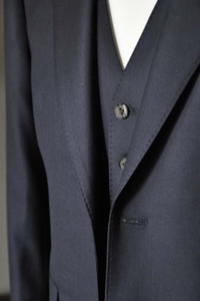 DSC0746-1 お客様のスーツの紹介- CAVENDISH ダークネイビー スリーピース-