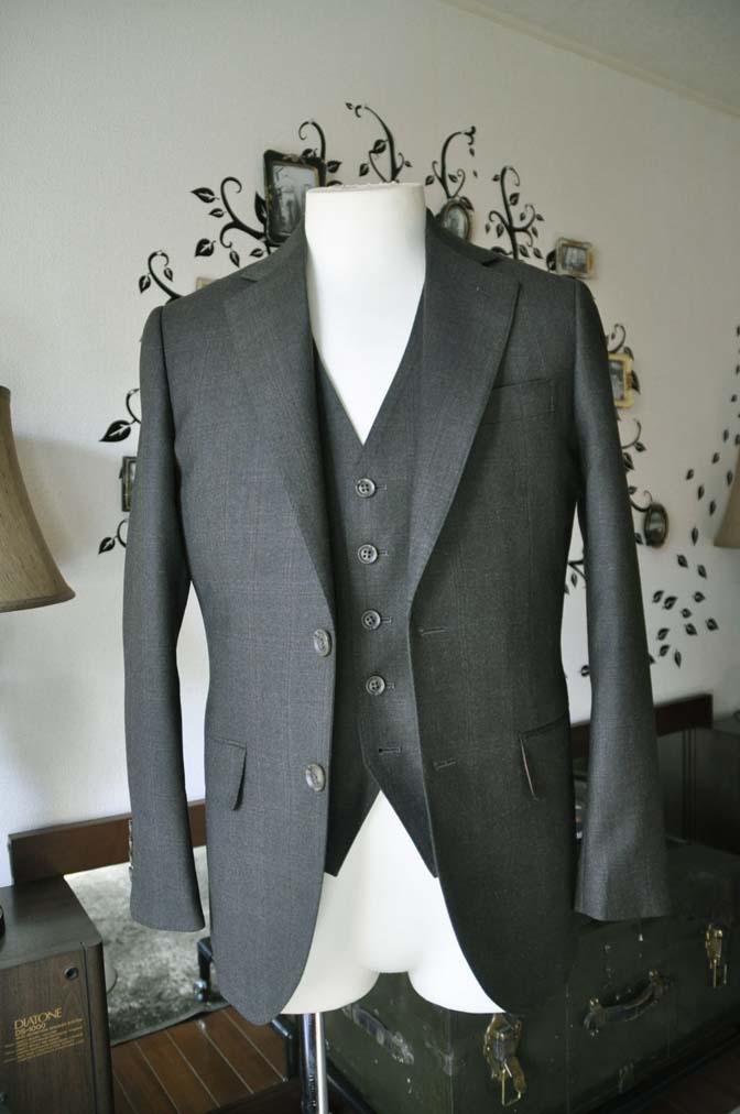 DSC0746-3 お客様のスーツの紹介-REDA グリーンチェックスリーピース-