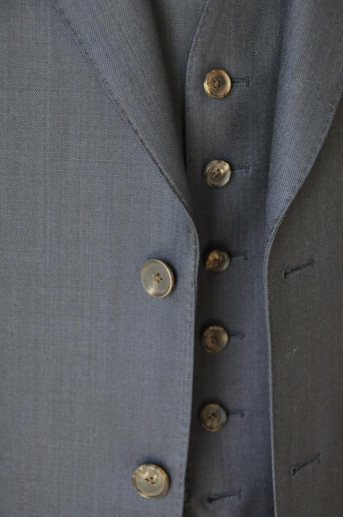 DSC07463 お客様のスーツの紹介-DORMEUIL KRONO 無地ネイビースリーピース-