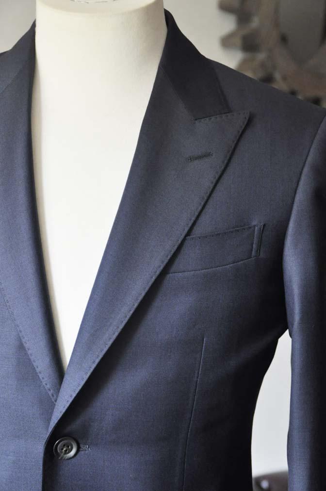 DSC0747-3 お客様のスーツの紹介- CANONICO無地ネイビー スリーピース-