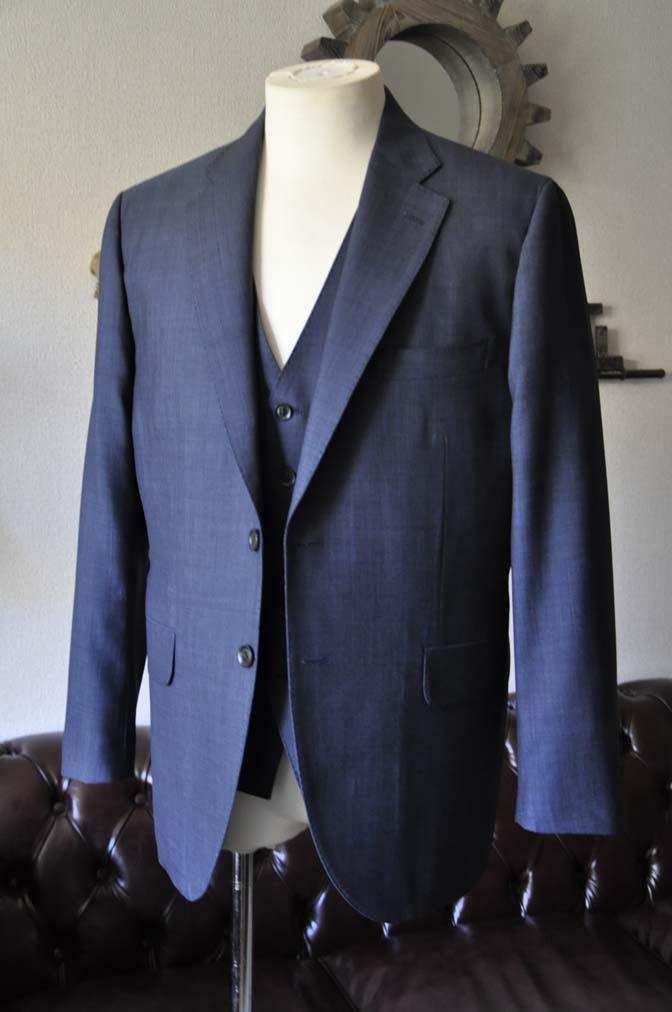DSC0748-1 お客様のスーツの紹介- Biellesi 無地ネイビースリーピース- 名古屋の完全予約制オーダースーツ専門店DEFFERT
