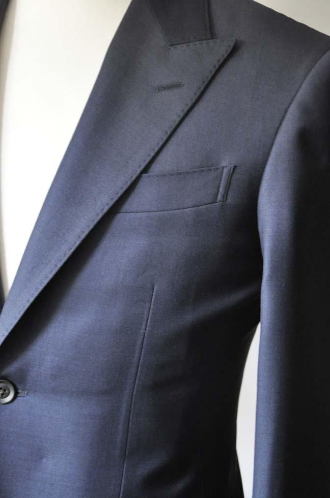 DSC0748-4 お客様のスーツの紹介- CANONICO無地ネイビー スリーピース-
