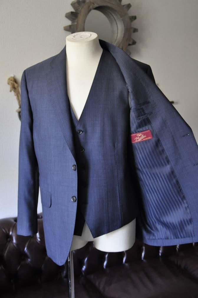 DSC0750-1 お客様のスーツの紹介- Biellesi 無地ネイビースリーピース- 名古屋の完全予約制オーダースーツ専門店DEFFERT