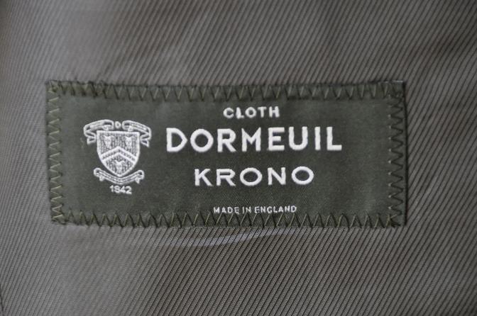 DSC07511 お客様のスーツの紹介-DORMEUIL KRONO 無地ネイビースリーピース-