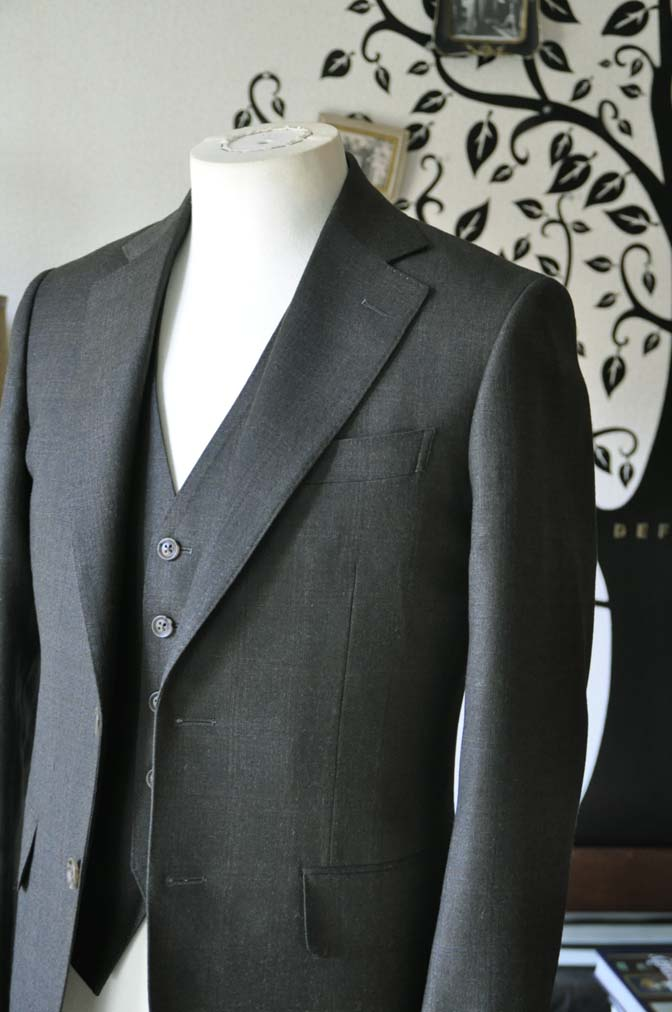 DSC0752-3 お客様のスーツの紹介-REDA グリーンチェックスリーピース-