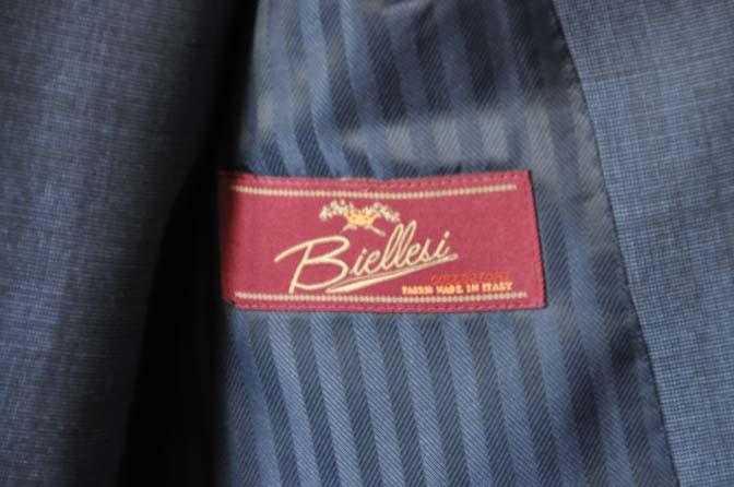 DSC0753-1 お客様のスーツの紹介- Biellesi 無地ネイビースリーピース- 名古屋の完全予約制オーダースーツ専門店DEFFERT