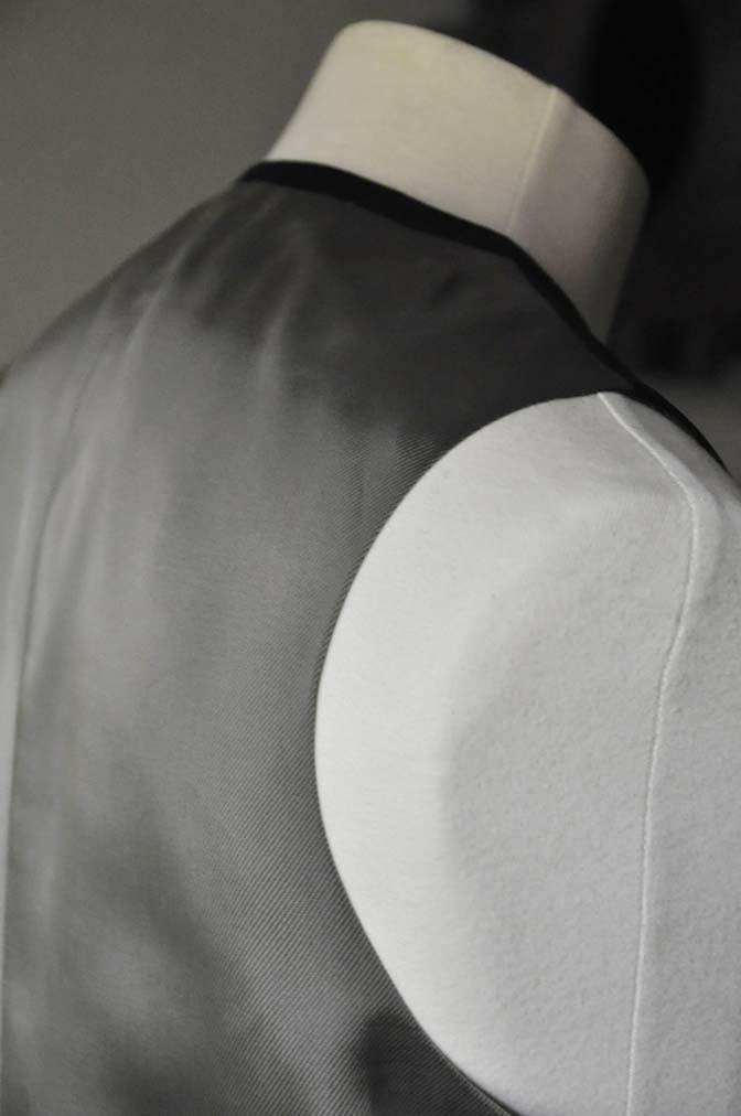 DSC0754-1 お客様のスーツの紹介- CAVENDISH ダークネイビー スリーピース-