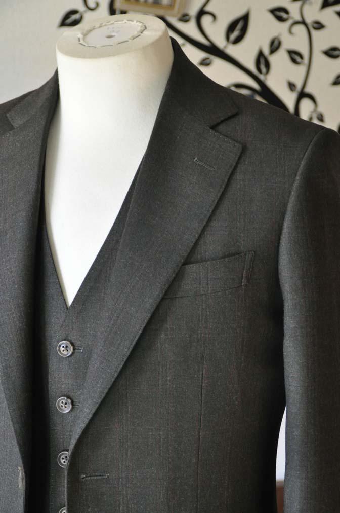 DSC0754-3 お客様のスーツの紹介-REDA グリーンチェックスリーピース-