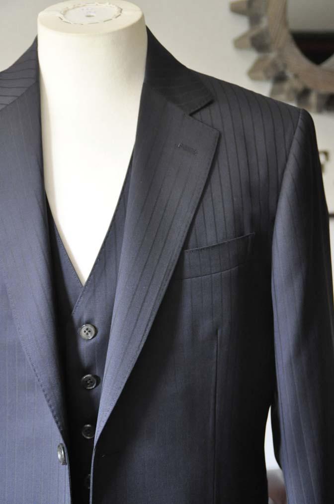 DSC0756-1 お客様のスーツの紹介- CANONICOネイビーストライプ スリーピース-