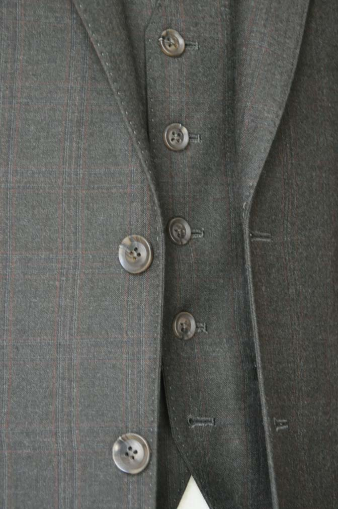 DSC0757-2 お客様のスーツの紹介-REDA グリーンチェックスリーピース-