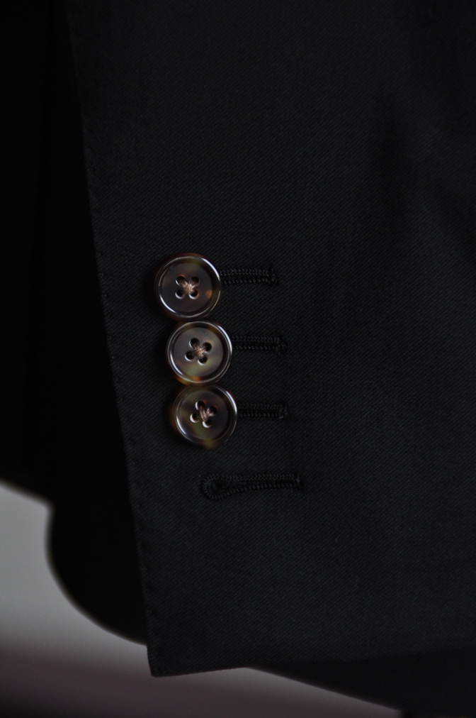 DSC07601 オーダースーツ-Biellesi ブラックスーツ-
